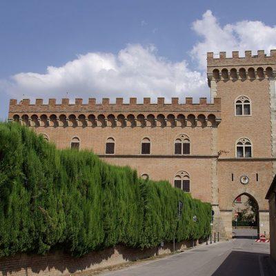 1024px-Bolgheri_Castello_001